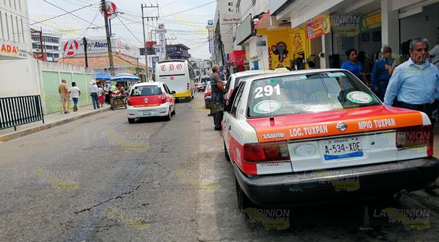 Sancionan a taxistas en Tuxpan