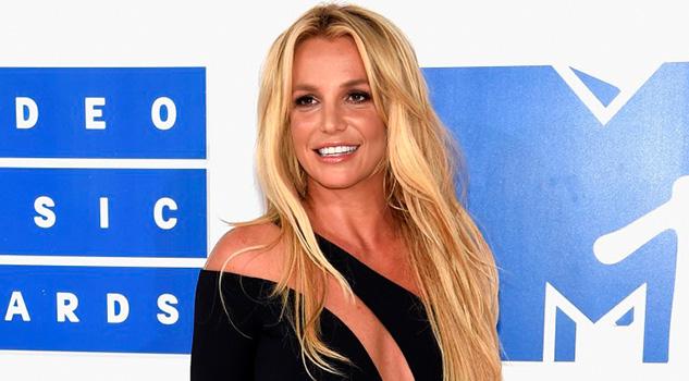 Sorprende salida momentánea de Britney Spears de la clínica psiquiátrica