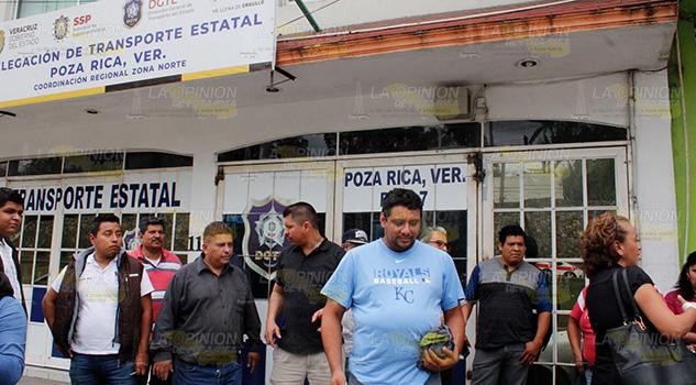 Taxista y Transporte Público de Poza Rica se acusan mutuamente
