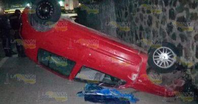 Turistas heridos en volcadura sobre la carretera Tuxpan - Poza Rica