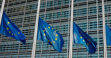 UE negociará con EU acuerdo comercial para eliminar aranceles