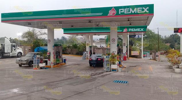 Violento robo a gasolinera en Cerro Azul