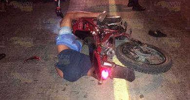 Automóvil embiste a motociclistas en tuxpan y huye