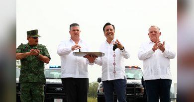Entregan 160 patrullas para reforzar la seguridad en Veracruz