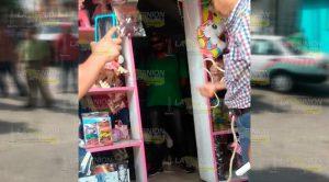 Amarran y exhiben a presuntos ladrones en Huejutla, Hidalgo