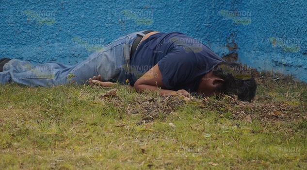Artesano es encontrado sin vida en parque de Tantoyuca