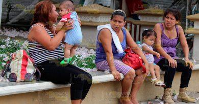 Aseguran a sus hijos con programa social Jefas para madres de familia