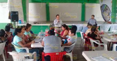 Capacitan a jóvenes que alfabetizaran a campesinos en la Sierra del Totonacapan
