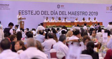 """Celebran al magisterio con el programa """"Va por Veracruz"""""""