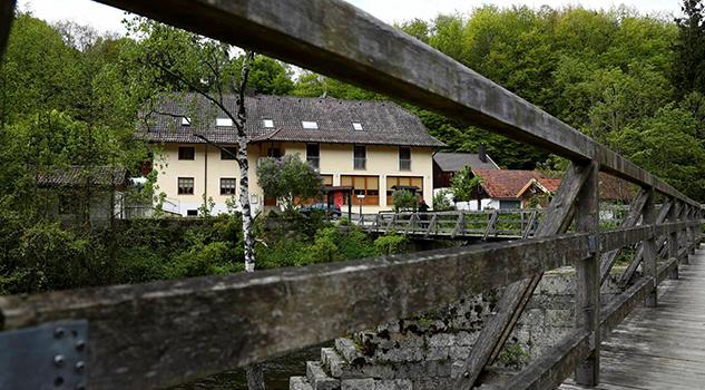 Conmoción en Alemania por asesinato a flechazos de tres personas