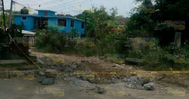 Denuncian que piden cooperación para restaurar concreto afectado por reparación