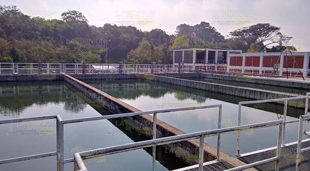 Dispara ola de calor el consumo de agua en Tuxpan