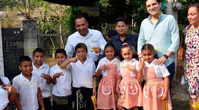 Dotan de agua a más comunidades de Tihuatlán para evitar problemas de estiaje