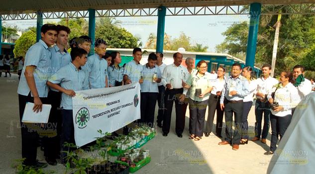 Estudiantes se suman a proyectos ecologistas en Tuxpan