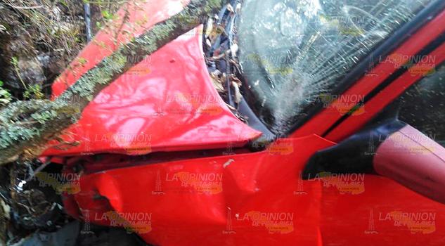 Falleció dentro de su auto en la Tlaxco - Tejocotal