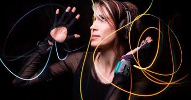 Guantes inteligentes permiten hacer música con gestos