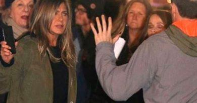 Jennifer Aniston enfurece contra fan que intentaba tomarse una selfie