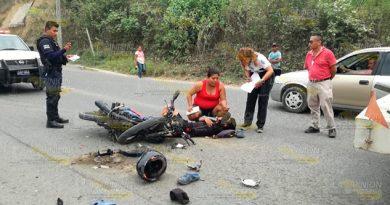 "Motociclista ""rebota"" contra pipa en la carretera Tuxpan - Tampico"