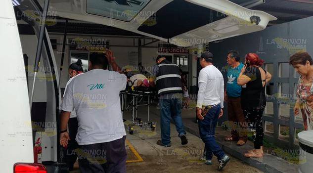 Mujer herida tras choque de camionetas en la Tuxpan - Tampico
