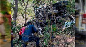 Pareja grave por volcadura sobre la Alazán - Canoas
