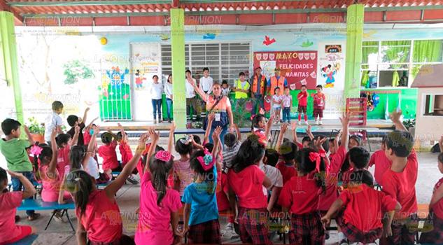 Realizan simulacros con hipótesis de incendio en escuelas de Chinampa de Gorostiza