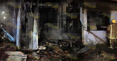 Se incendia casa en la congregación Santiago de la Peña de Tuxpan