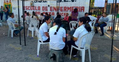 Toman escuela de enfermería de Poza Rica