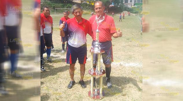 Zamora Junior, campeón de Master Oro de Papantla