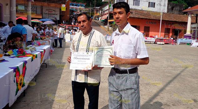Estudiante de Chicontepec destaca en concurso de matemáticas