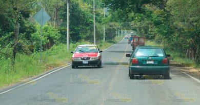 Arrojan piedras a vehículos que circulan en la vía 180