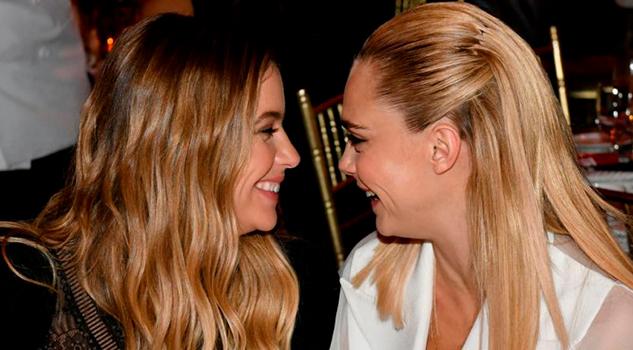 Cara Delevingne y Ashley Benson confirman noviazgo en su primer aniversario