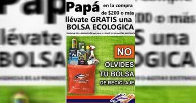 Empresa de Poza Rica entregan bolsas de reciclaje a clientes