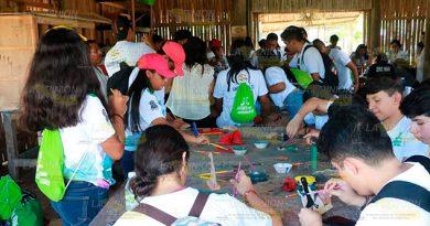 Encuentro de estudiantes en el parque temático Takilhsukut