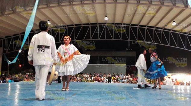 Gala Folclórica del Huapango; estampas de cinco estados en Tuxpan