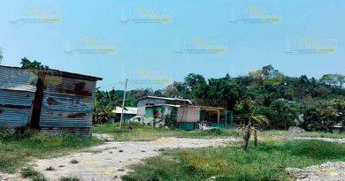 Liberan paquete de 57 escrituras para tres colonias de Tuxpan