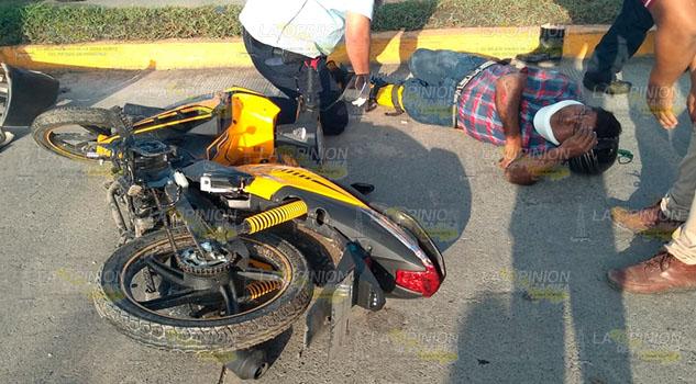 Particular arrolló a motociclista en Álamo