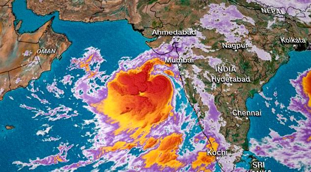 Poderoso ciclón amenaza a 6 millones de personas en India