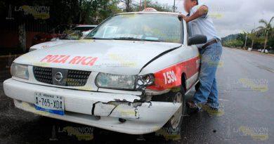 Taxista llevaba a su hija al hospital y choca dos cuadras antes de llegar