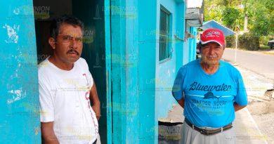Vedas golpean la economía de pescadores en la Barra de Cazones