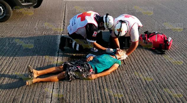 Anciana a punto de morir por abrirse la cabeza en Poza Rica