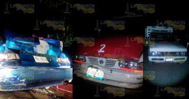 Aparatoso accidente en la Puxtla - Filomeno Mata, conductor se viene de reversa