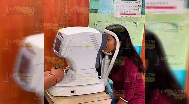 Apoyan con jornadas de Salud Visual a bajo costo en Cerro Azul