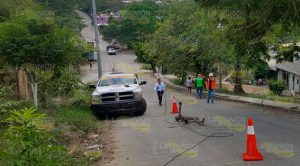 Camión tumba una mufa en Coatzintla