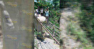 Demuelen puente La Colmena en Platón Sánchez