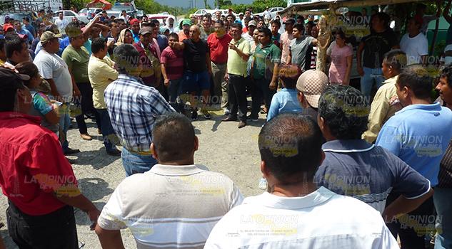 Encontronazo entre taxistas en la Sierra del Totonacapan