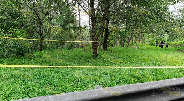 Hallan tres cadáveres a un costado de la autopista México - Tuxpan