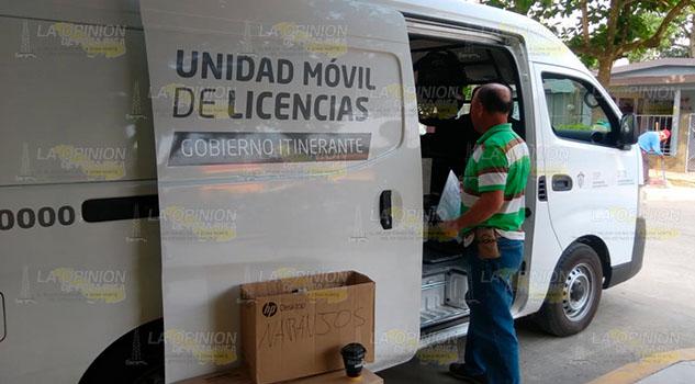 Llega unidad móvil de licencias de conducir a Coatzintla
