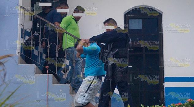 Par de soldados detenidos en Tantoyuca