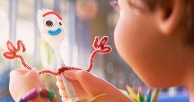 """¿Por qué Disney quiere """"desaparecer"""" a Forky?"""