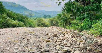 Rehabilitación de caminos, importante aporte para comunidades de Álamo